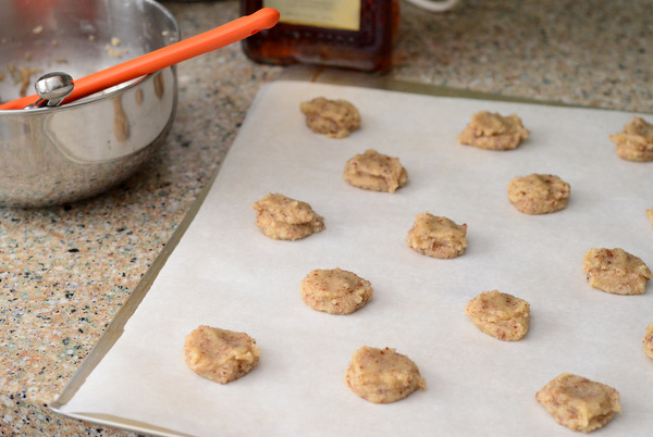 Almond Macaroons, ready to bake