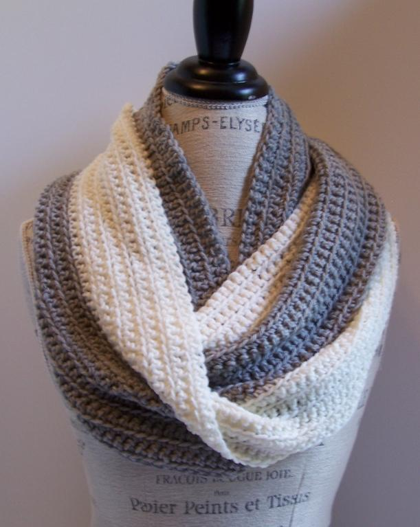 beginner crochet infinity scarf pattern