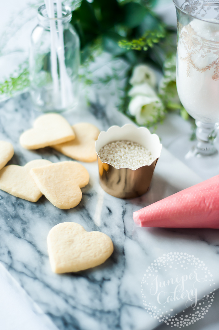Heart shaped cookie pop tutorial for a wedding reception to remember