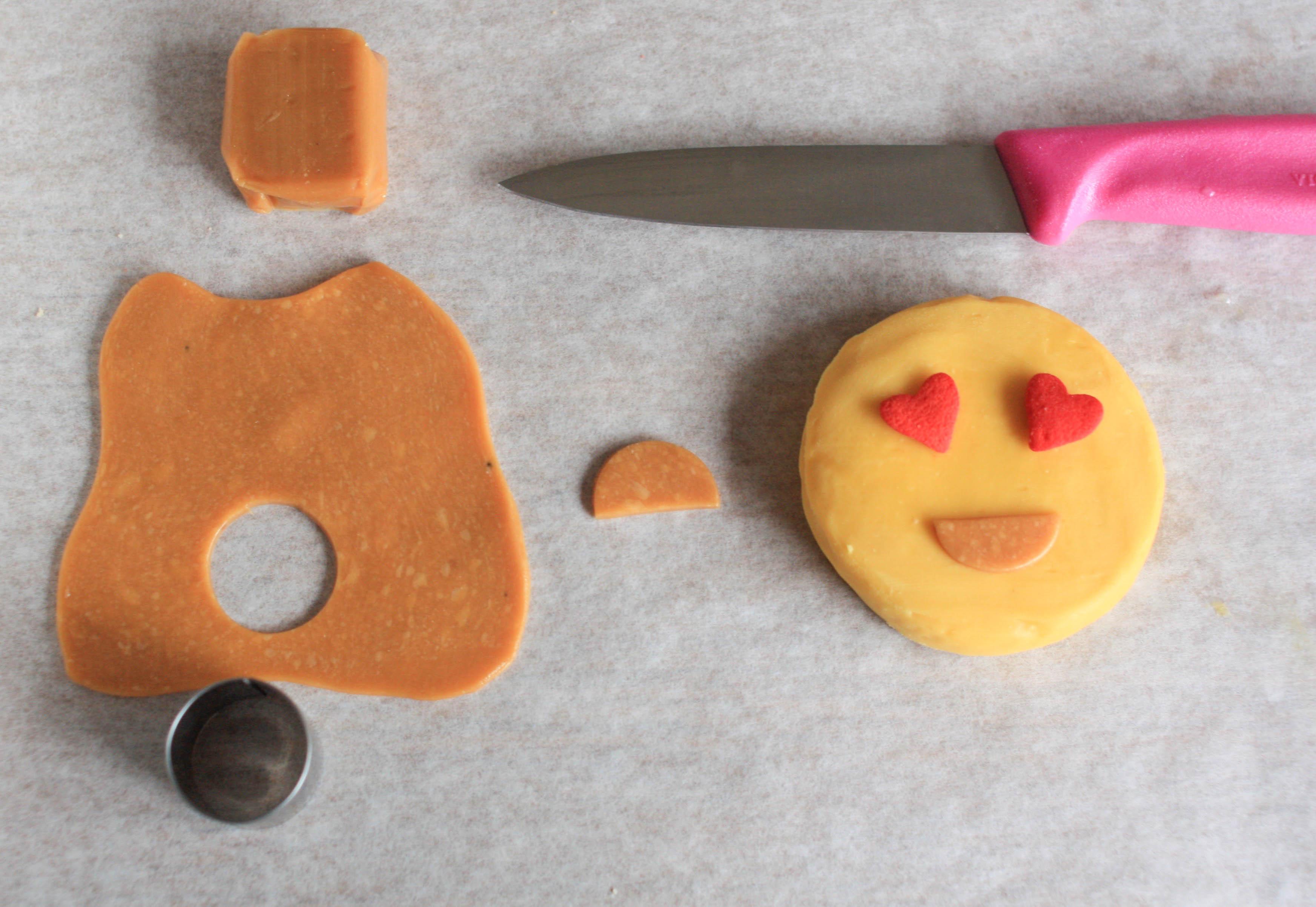 Heart eye emoji | Erin Gardner