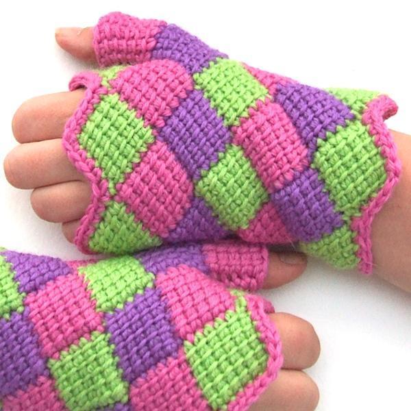 entrelac crochet fingerless gloves