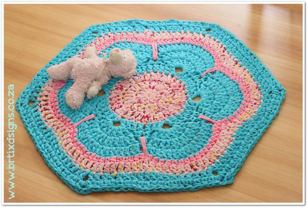 African Flower T-Rug Crochet Pattern