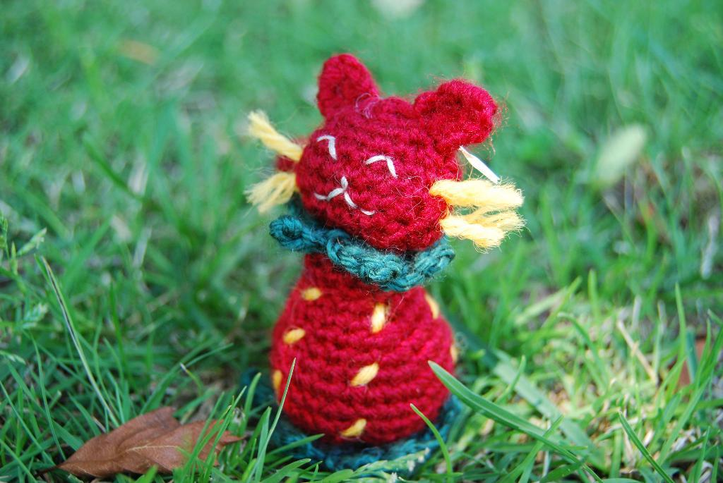 Strawberry Cat FREE Crochet Pattern