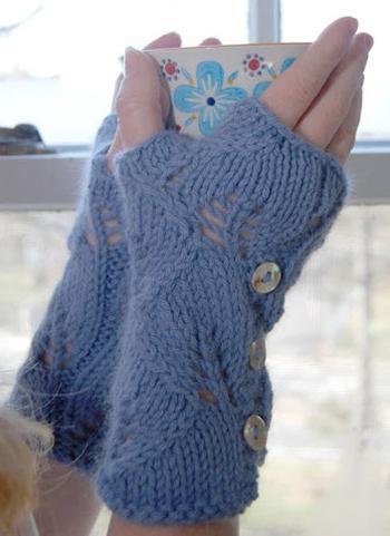 Lush Lacy Mitts FREE Knitting Pattern