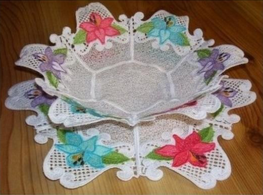 Machine Embroidery FSL Lily Bowl Doily