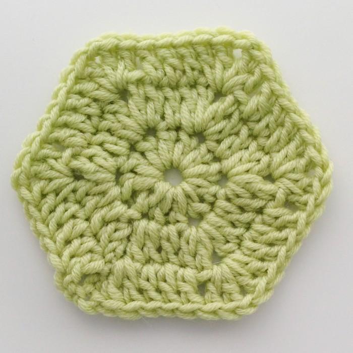 Finishing last round of the granny crochet hexagon