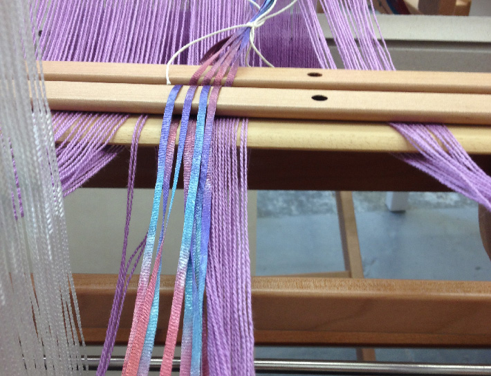 threading supplementary ribbon warp