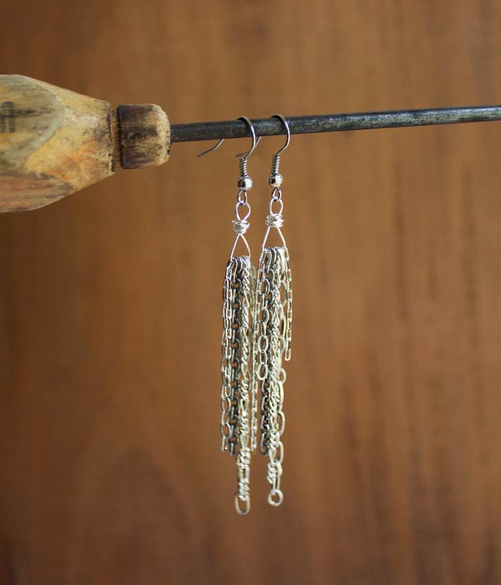 chain scrap earrings