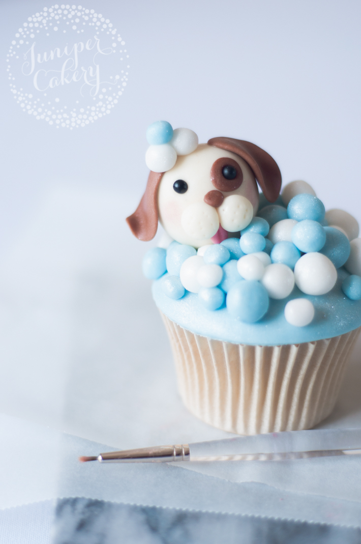 Step by step tutorial on how to make dog themed cupcakes