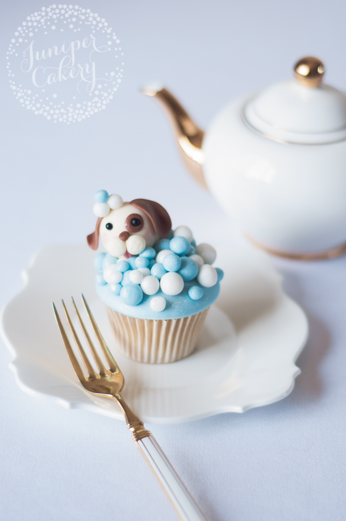 Make these doggy themed cupcakes with our easy tutorial
