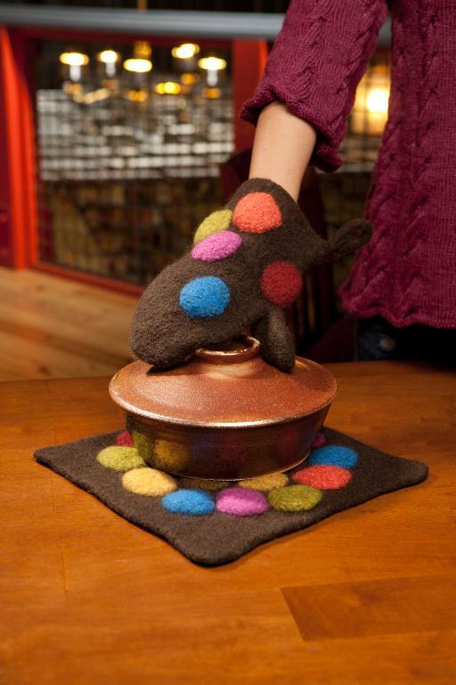 Trivet and Oven Mitt Knitted and Felted Set
