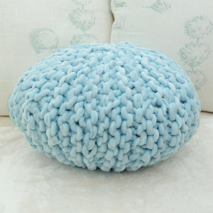 Small Round Knitted Pillow FREE Pattern