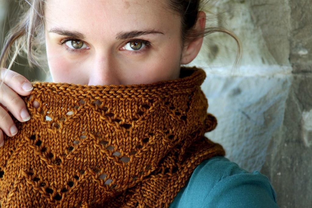 Downton Cowl Pattern