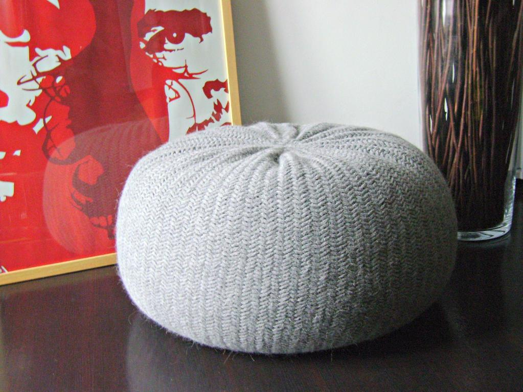 Knitted Pouf Floor Cushion Tutorial