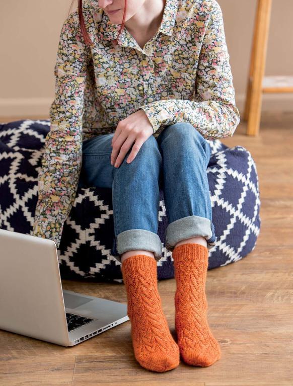 Oh, Valencia! FREE Sock Knitting Pattern