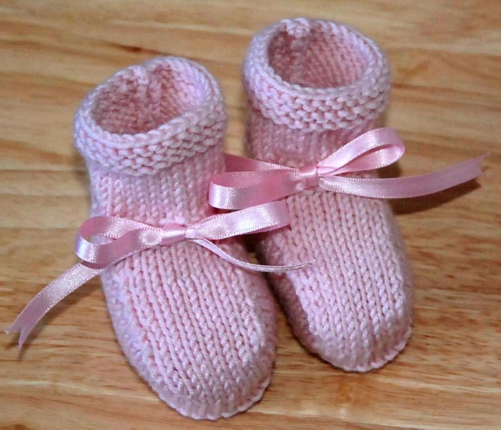 Pretty Simple Baby Booties Free Easy Knitting Pattern