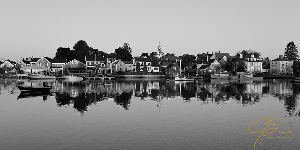 Portsmouth south end using monochrome picture style