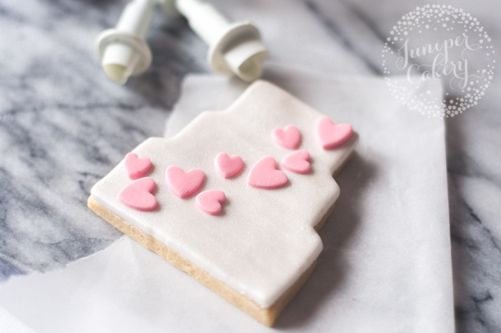 How to create pretty wedding sugar cookies