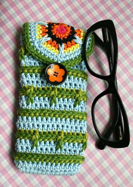 crochet glasses case button pattern