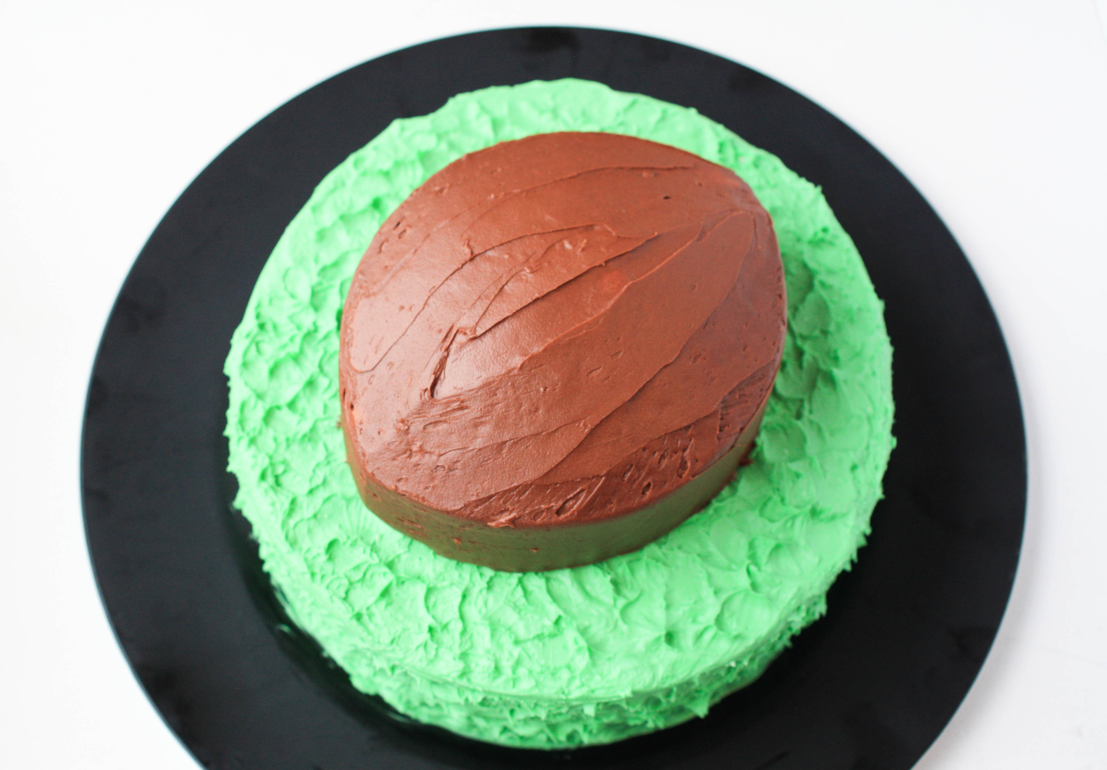 How to Make a Stacked Football Cake