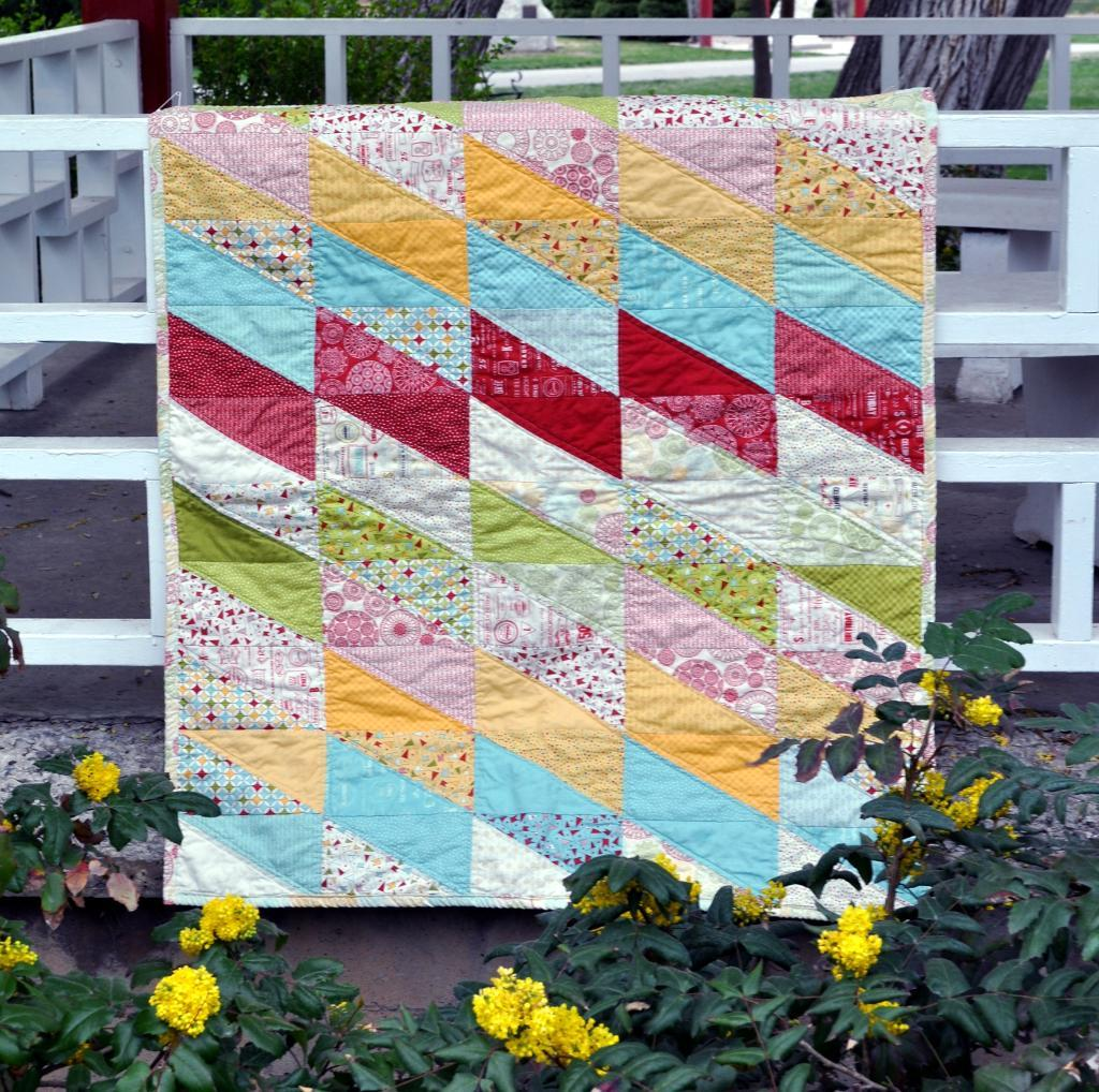 Sawtooth Baby Quilt Pattern