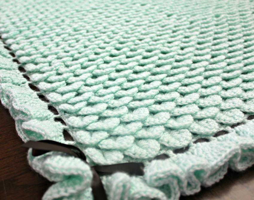 FREE Crocodile Stitch Baby Blanket Crochet Pattern