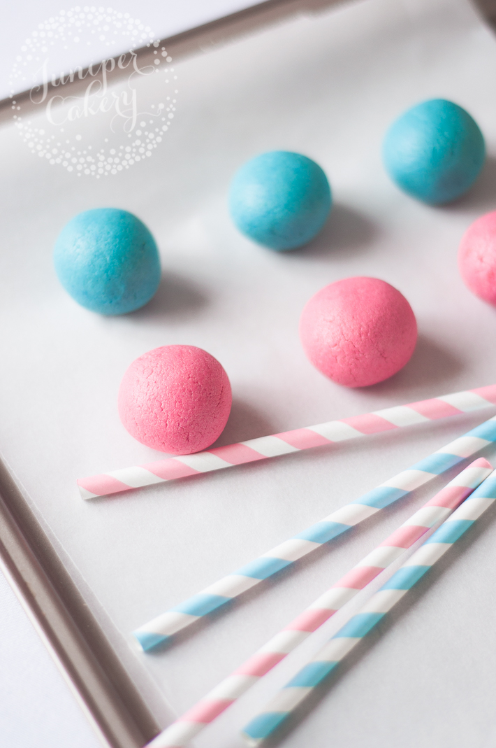 Make gender reveal cake pops for a fun baby shower