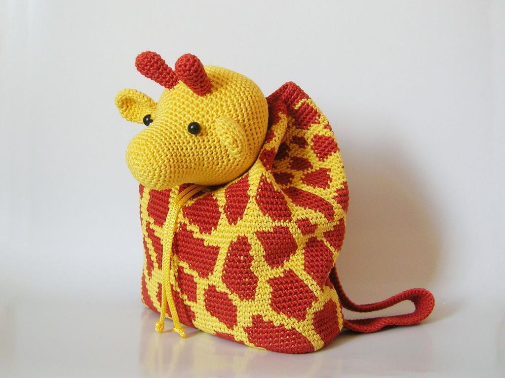 giraffe crochet backpack