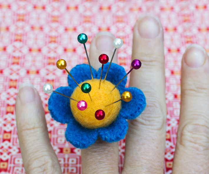 how to make a pincushion ring for sewing