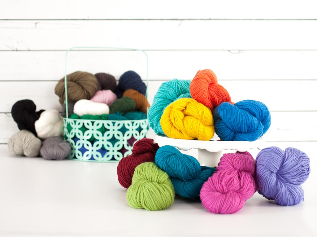 Universal Deluxe Worsted Weight Yarn