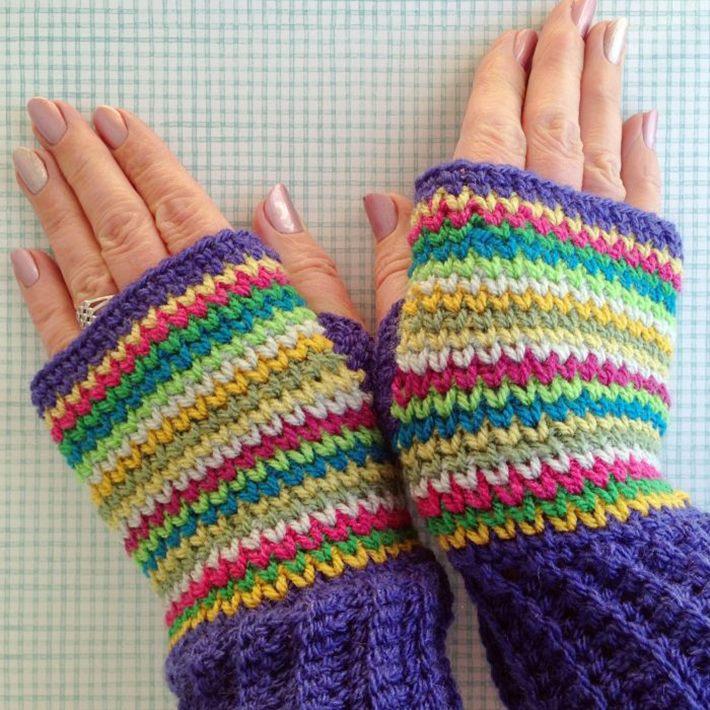 Fingerless gloves crochet that looks like knitting