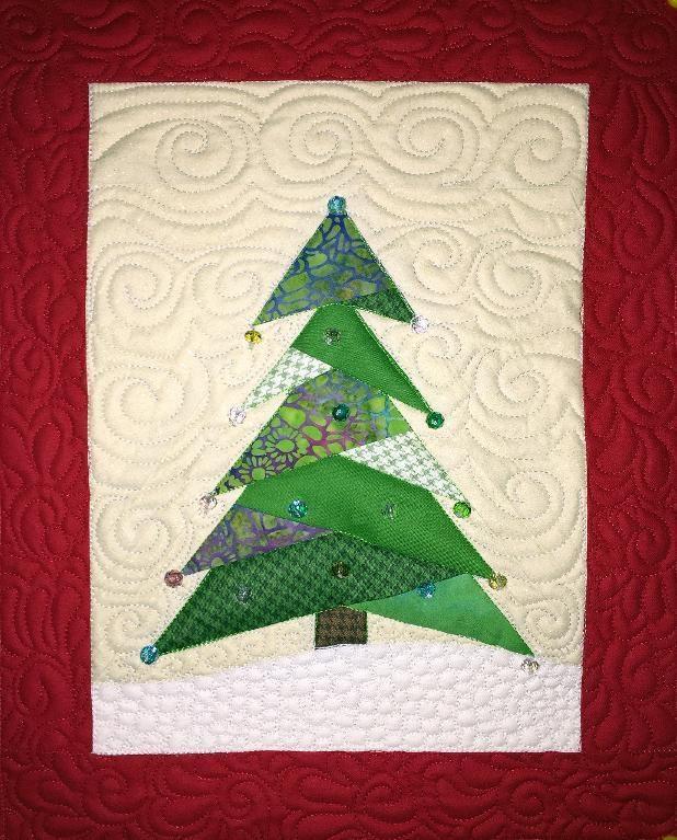 Mini Christmas Tree Quilt