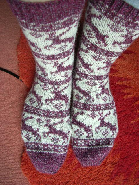Reindeer socks knitting pattern