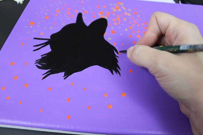 outlining cat silhouette