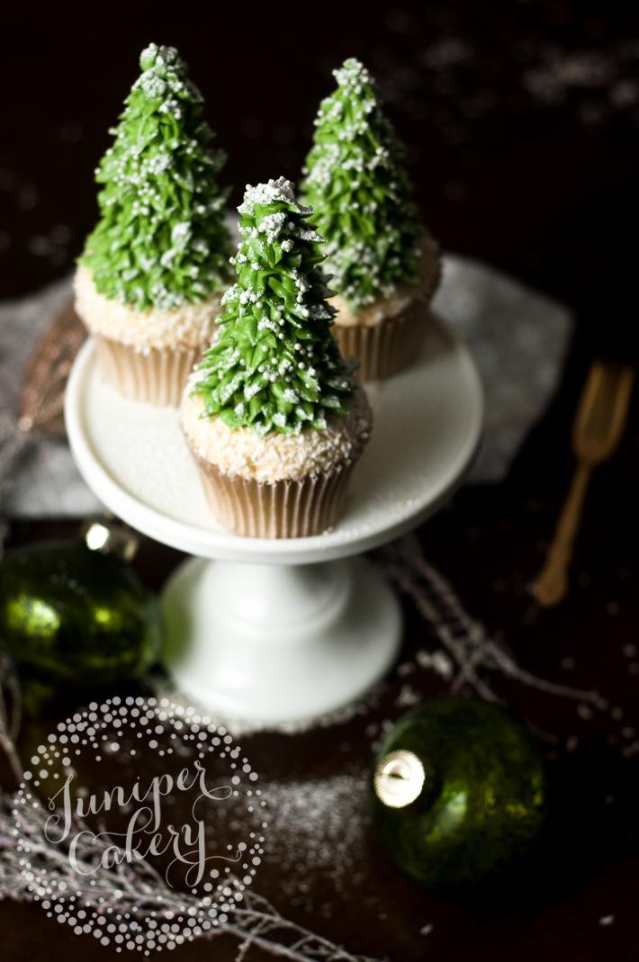 Christmas Tree Cupcakes: Free Tutorial on Bluprint