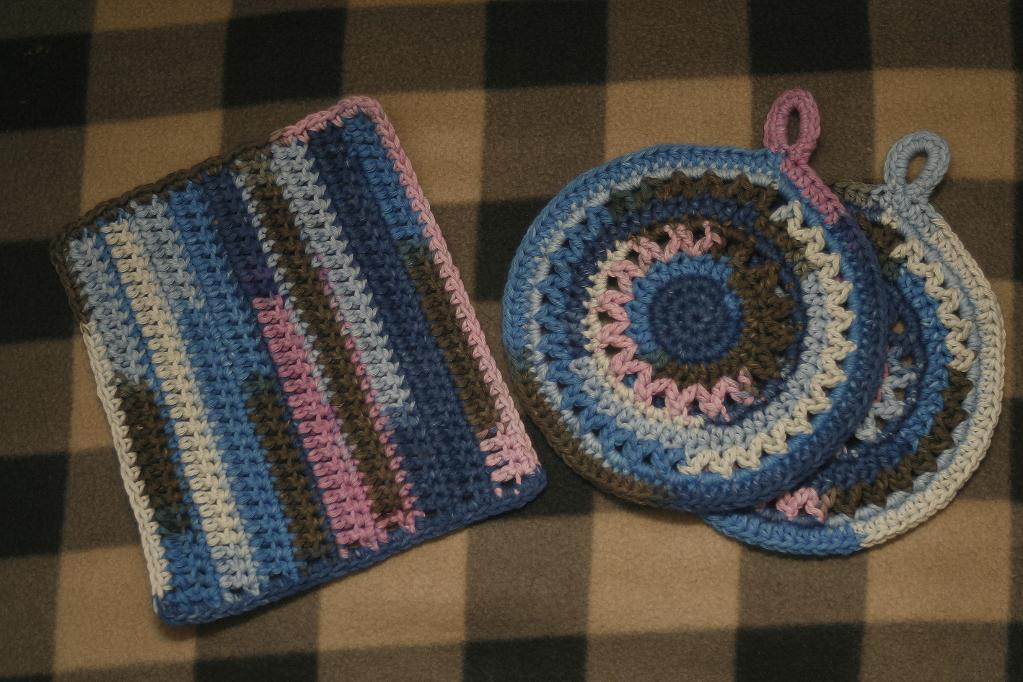 crochet potholders and kitchen cloth