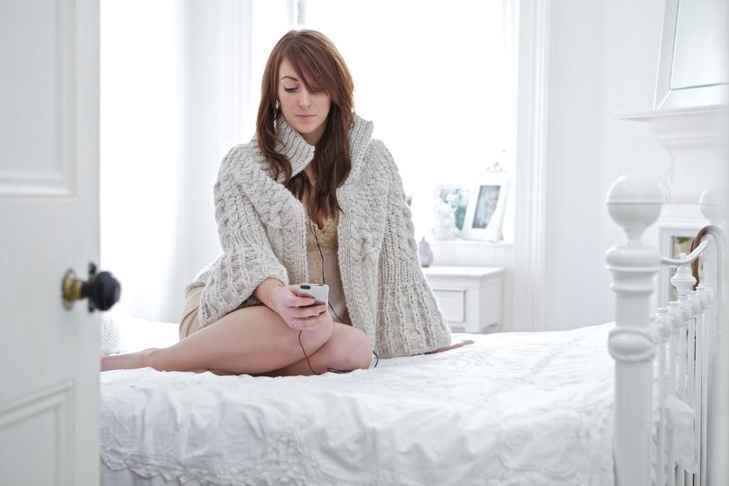 Kelly Cardigan Knitting Pattern