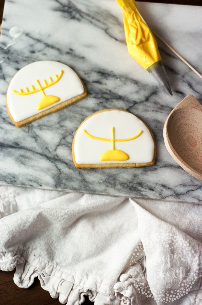 How to bake and decorate Hanukkah cookies