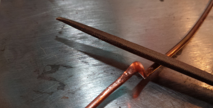 How to Make a Wire Bracelet - sand