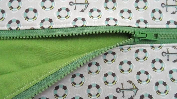 5 Topstitch zipper