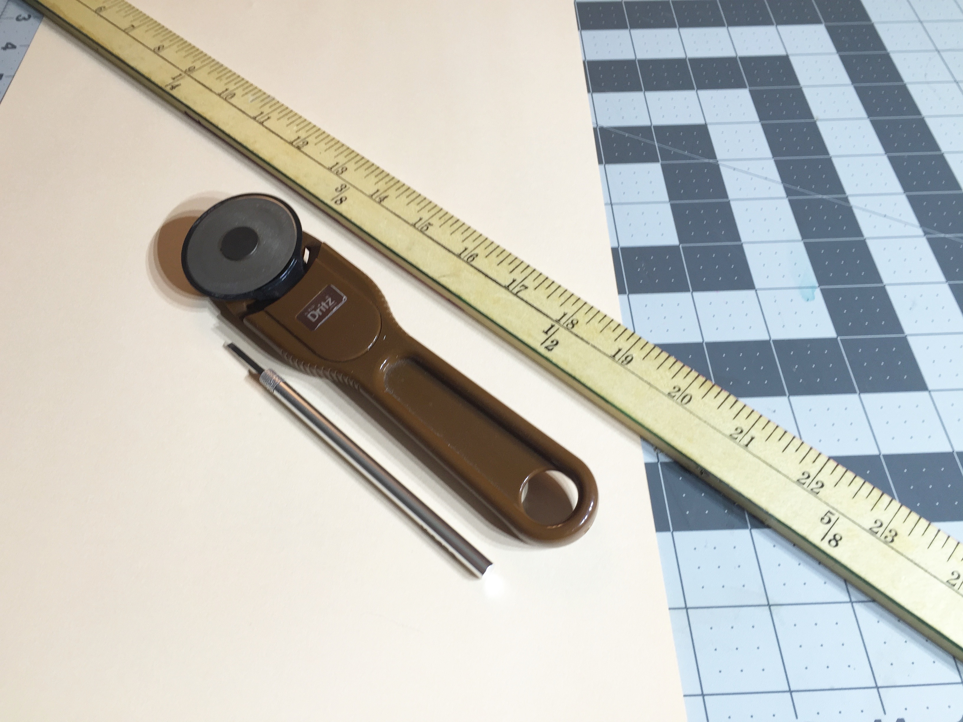 Image of supplies needed to cut quilling paper strips