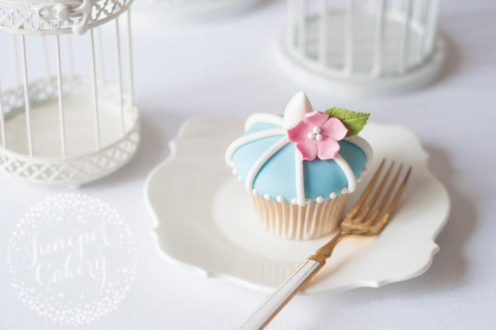 Sweet birdcage cupcake tutorial via Juniper Cakery