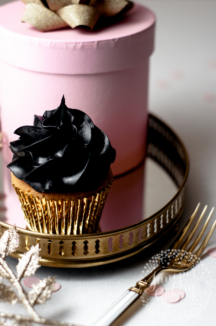 Cupcake with black buttercream icing