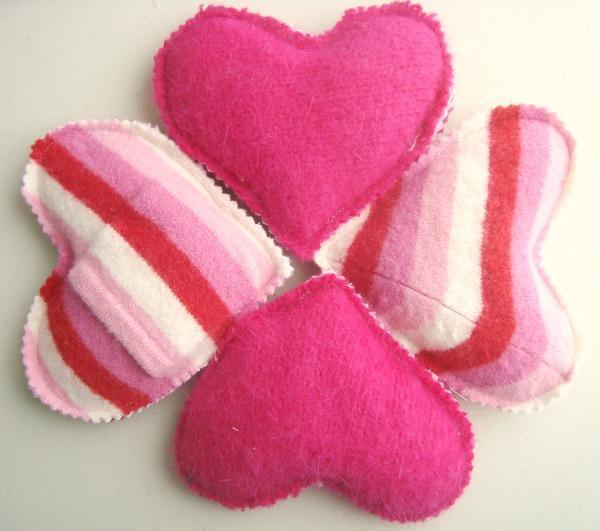 Heart Hand Warmer FREE Sewing Pattern