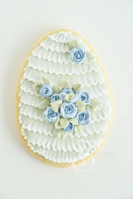Antique style Easter egg cookie decorating idea