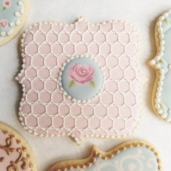 Pipe pretty lattice work onto cookies instead of lace