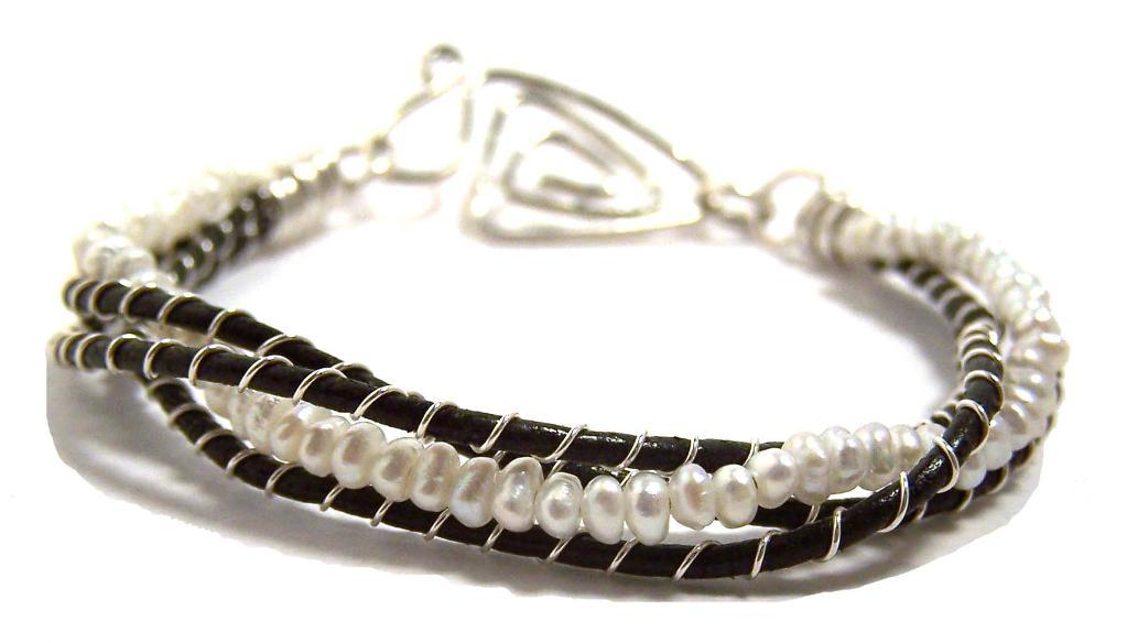 Leather and Pearls Bracelet Tutorial