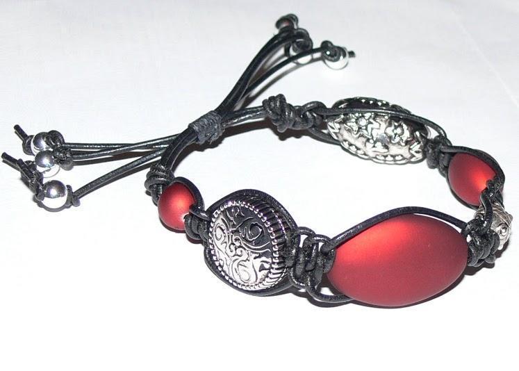 Highly Strung Bracelet Tutorial