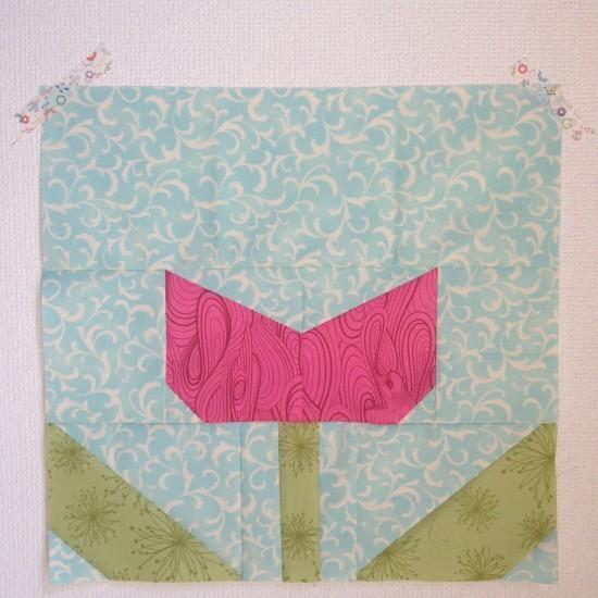 modern tulip quilt block