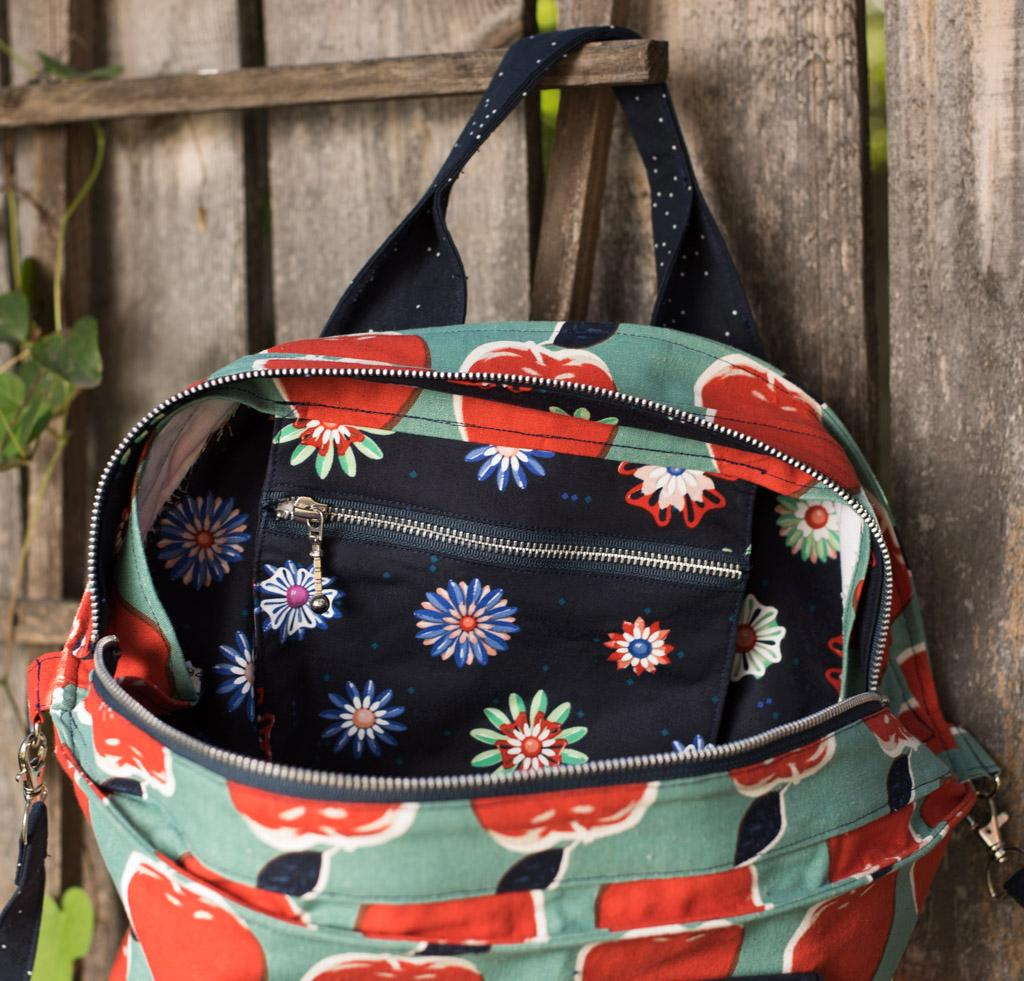 Interior with zipper pocket on large Green Bee Patterns On Holiday tote